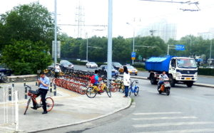 Beijing, Aussenbezirk, Mietfahrräder